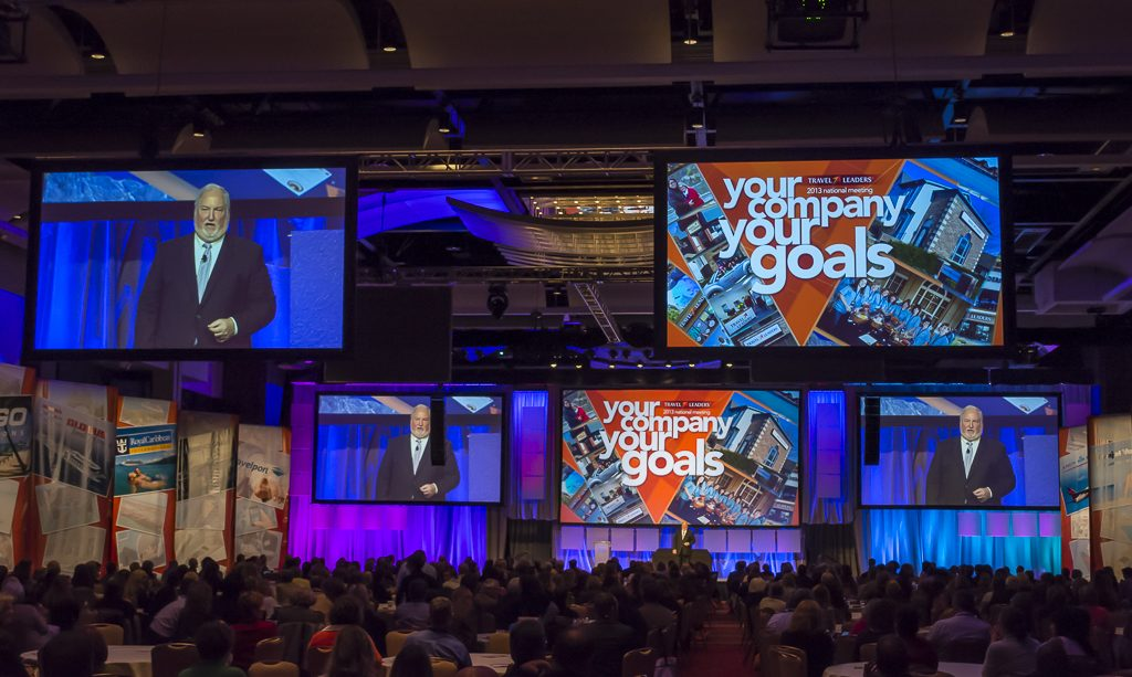 Roger Block speaking at the Travel Leaders National Convention